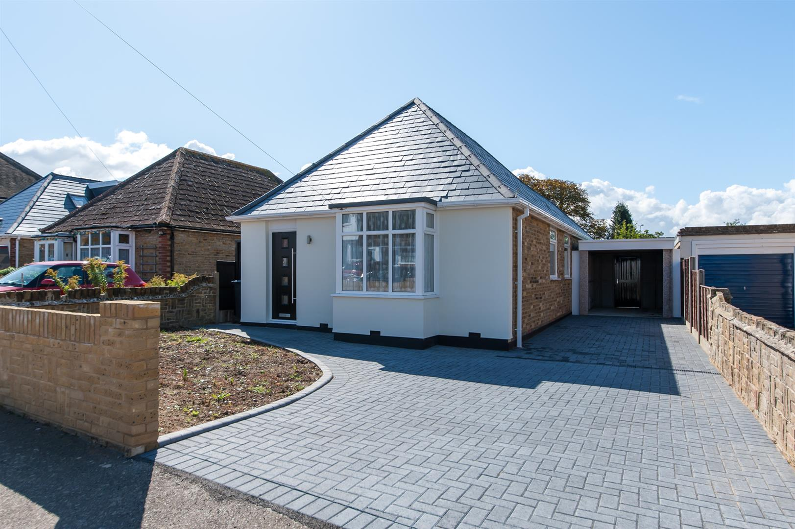 3 Bedrooms Detached Bungalow for sale in Westfield Road, Birchington